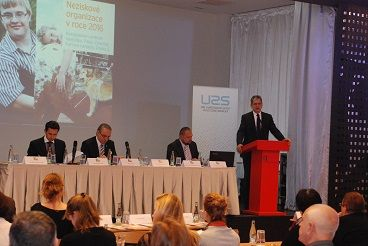 20151105 Min--Dienstbier-na-konferenci-Nestatni-neziskove-organizace-v-roce-2016